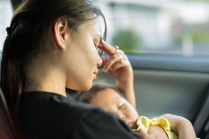 Postpartum Depression May Last for Years thumbnail